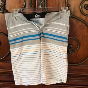 Young teen dry/ wet Quicksilver shorts